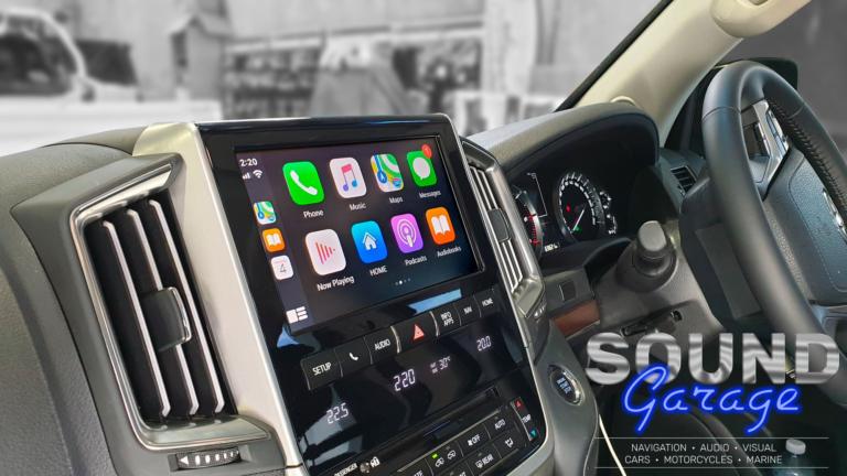 2016 Toyota Landcruiser VX 200 Series - Apple CarPlay/Android Auto