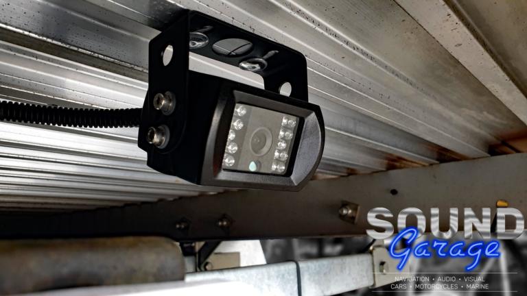 2015 Toyota Hilux - Mongoose MC6P CCD rear camera